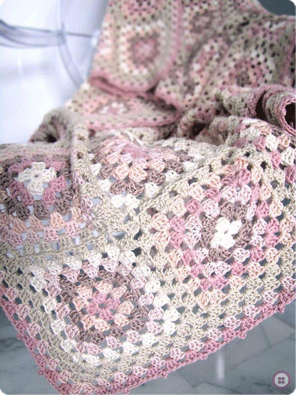 Manta granny sauqre 51 creativa atelier - Mantas ganchillo colores ...