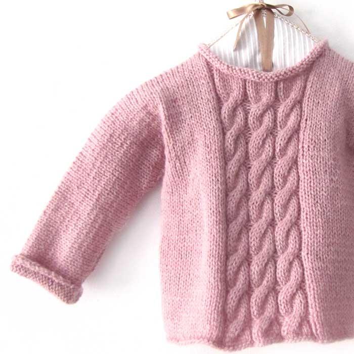 cómo hacer un jersey de bebé a dos agujas con ochos -Tutorial DIY y patrón gratis